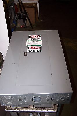Square D 225 Amp Main Lug Panelboard 208Y/120 Vac 30 Circuit 3 Phase