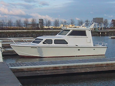 Boat Cabin Cruiser Chris Craft