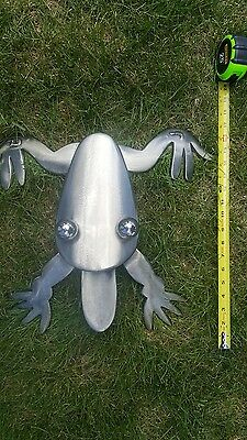 Quality metal art frog for indoors or outdoors