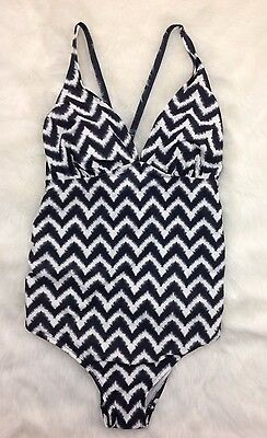 Liz Lange Maternity One Piece Swimming Suit Gray White Chevron NEW Size Small