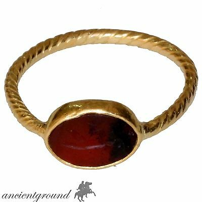 MUSEUM QUALITY ROMAN GOLD 24c SEAL RING WITH GLASS STONE CIRCA 100-300 AD