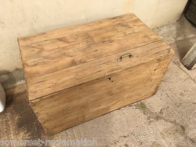 "Reclaimed Old Large Rustic Pine Blanket Toy Storage Box Chest 41¾"" Long"
