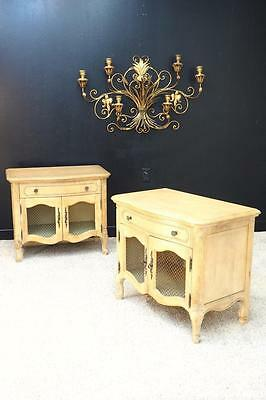 Thomasville French Country Pair 2 Nightstands End Side Occasional Table Set