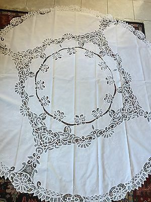 Vintage/Antique - ROUND TABLE CLOTH - Reticella White Lace & Linen (82-inches)