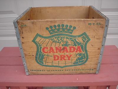Vintage 1965 Canada Dry Ginger Ale  Wood Art Map Sign Box Bottle Crate Stand