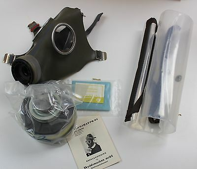 Finland Army M62 Boxed Gas Mask + Filter Size 2