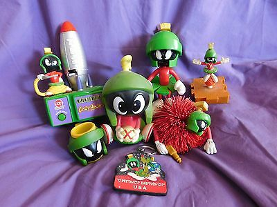 (Lot of 7) MARVIN THE MARTIAN Toys Keychain Figure Six Flags Tiny Cup Pez