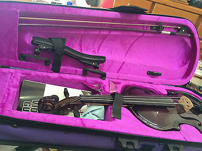 Ashton child/young teens violin in its own purple bag - 46cm long
