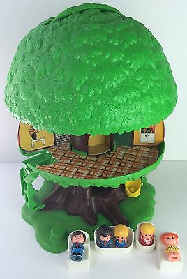 Vintage Tree Tots Treehouse W/ Figures Beds Chair Couch 1975 General Mills