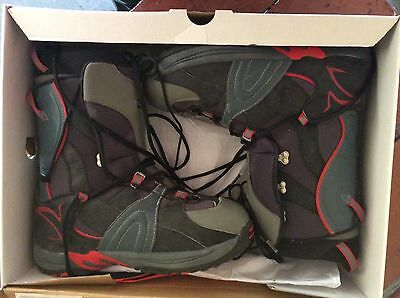 BOOTS SNOWBOARD BOOTS BURTON-RULER 2013 SUPPORT 6 size 11 NEAR NEW black & red