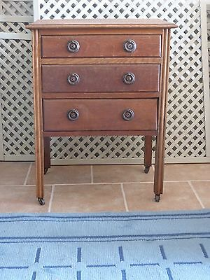Small oak chest of drawers . Dorset