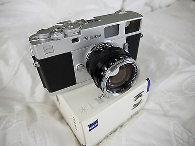 Immaculate Zeiss Ikon ZM Silver with Zeiss T* Planar 50mm f2