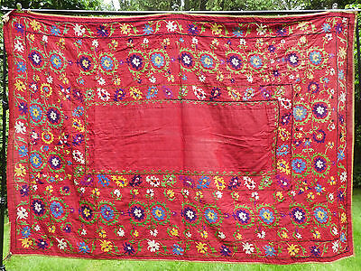 LARGE ANTIQUE EARLY 20thC UZBEKISTAN HANDMADE EMBROIDERED SILK ON COTTON SUZANI
