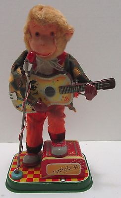 1950's ALPS JAPAN BATTERY OPERATED ROCK AND ROLL MONKEY ***NICE & WORKS***