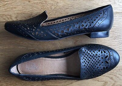 New Wittner Black Leather Flats / Shoes- Size 39 ❤️
