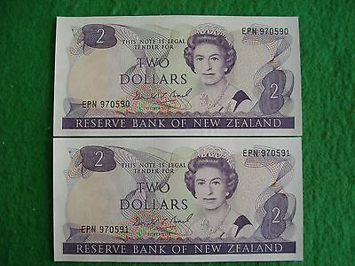 New Zealand  2 x 2 Dollar notes consecutive crisp Unc Brash 1989 - 1992 freepost