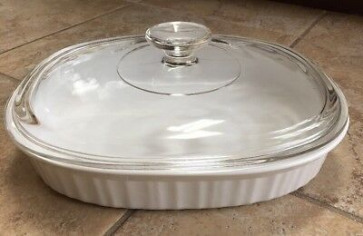 """Corning Ware """"french White"""" (1.5 Qt.) Oval Casserole Baking Dish With Lid"""