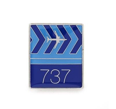 Button Badge Pilot Boeing 777 Wings Pin