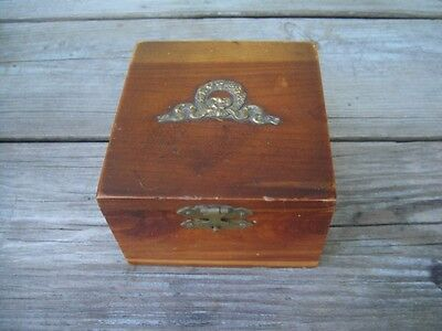 Vtg Unique Miniature Cedar Blanket Chest Salesman Sample  Jewelry Box