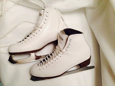 Riedell Figure Ice Skates - Size 9M, Female