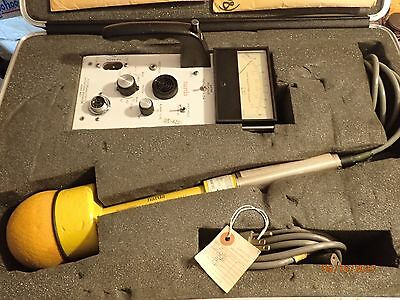 Narda 8619 Electromagnetic Radiation Meter w Two Probes 8633, 8644 and Case