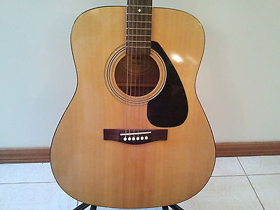 Yamaha Acoustic Guitar With Carry Case And Stand