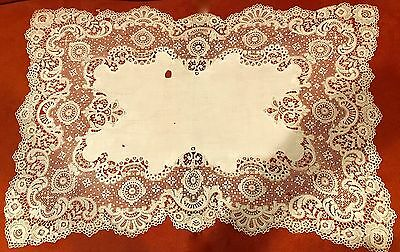 Antique Lace Centerpiece Doily Victorian Stunning Details As Is 17 X 26 Inches