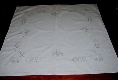 Vintage Hand Embroidered Supper Cloth ~ Cotton ~ Square