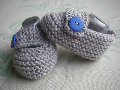 HAND KNITTED BABY BOY SILVER GREY STRAP SHOES / BOOTIES 0-3 mths