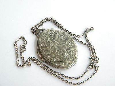 Large Vintage 1970s Sterling SILVER LOCKET ~completed with chain ~
