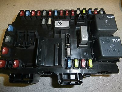 EQUINOX ,TORRENT, XL-7  Interior Fuse Relay Junction Box GM OEM 15947085 ~aa