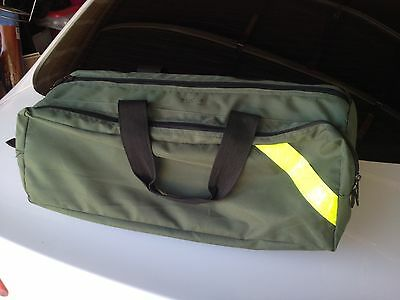 Used, excellent condition, green EMS medical / Oxygen carrying bag
