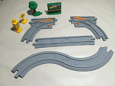 Fisher Price Geotrax 10 piece Road Track Pack (#B4337) - Complete