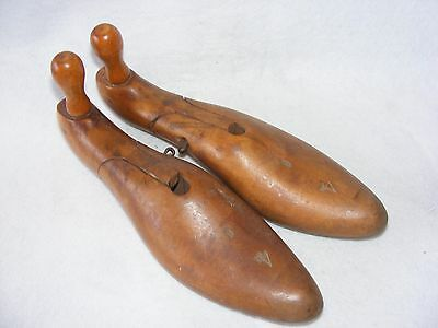 Vintage Set Pair Wooden Shoe Trees Last Ladies Pommel Articulated Wire Pin Treen