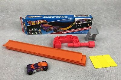 HOT WHEELS MEGA JUMP BOXED SET EXCELLENT CONDITION by MATTEL W5368