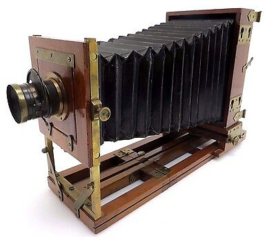 E. & H. T. Anthony & Company Manufactures Plate Camera 18x12, DARLOT Lens bq095
