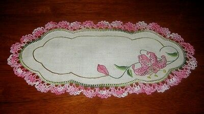 Vintage Hand Embroidered Lace Edged Sandwich Tray Doily ~ Linen