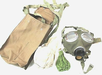 (NO5) HUNGARY HUNGARIAN ARMY / CIVILIAN M76 GAS MASK with FILTER and BAG