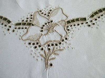 ANTIQUE TABLECLOTH MADEIRA HAND EMBROIDERY - LINEN - 50sq.
