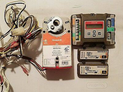 Honeywell damper actuator MS3103J1030 with  W7220 Controller and C7250A1001 temp