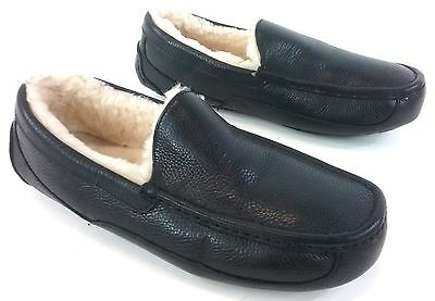 UGG Ascot Sheepskin Lined Mens Slipper - Black Leather US Size 11