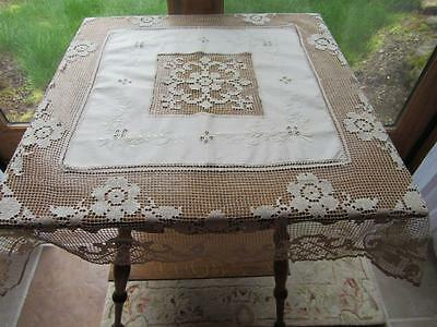 Fabulous Vintage Ecru Italian Linen Buratto Lace Hand Embroidery Table Topper