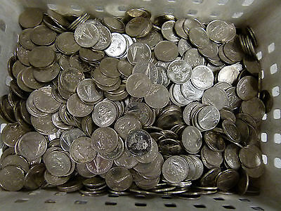 Bohemian Money---Bahama Coins --- Large Lot--840--Coins