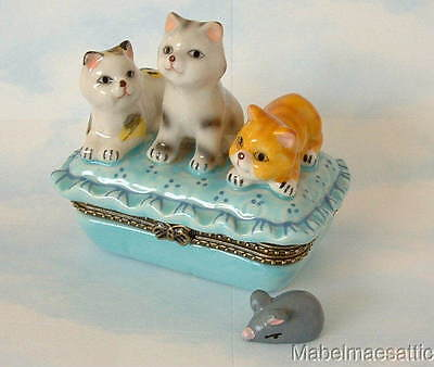 New Handpainted 3 Tabby Cats Kittens on Ruffle Pillow Cat Porcelain Hinged  Box