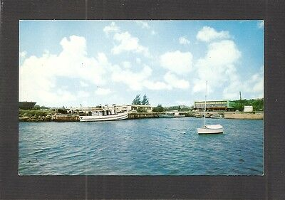 POSTCARD:  VIEW OF AGANA HARBOR, GUAM, MARIANA ISLANDS - U.S. TERRITORY - Unused