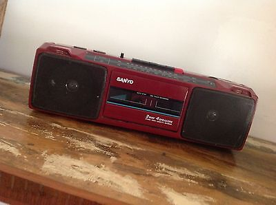 Working Retro Sanyo Cassette Radio Tape Deck Player Model M7024F