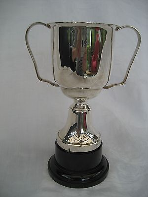 VINTAGE SILVER PLATED TROPHY - unengraved.