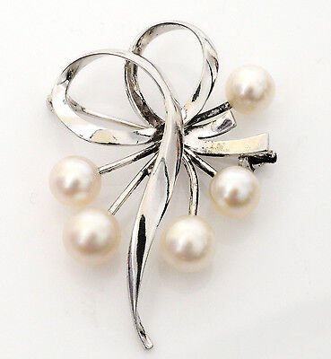 Authentic Japanese Mikimoto Sterling Silver &  Cultured Pearl Brooch in Box