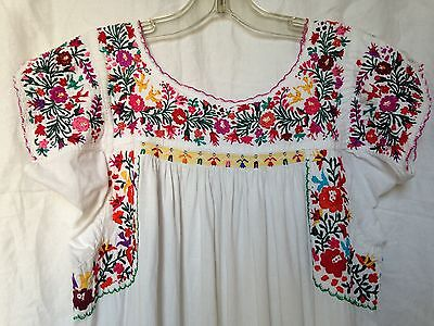 Vintage Mexican Oaxacan embroidered peasant dress, boho bohemian, folk art