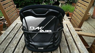 2017 Dakine Pyro Harness Black -size large -used once from new rrp £170-bargain!